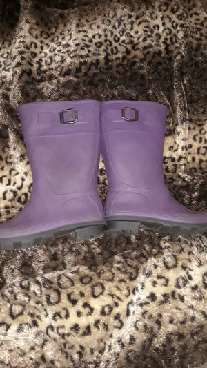 Big Girls size 2 purple Kamik boots for Sale in Riverside, CA