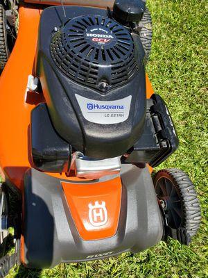Husqvarna lawn mower for Sale in Glendale, AZ