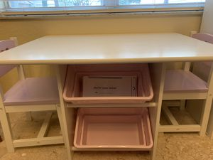 KidKraft table with bins and 2 chairs for Sale in Casselberry, FL
