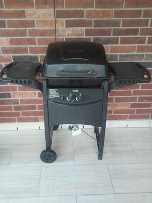 Char-Broil bbq grill for Sale in Spring, TX