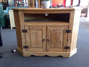 Wooden tv stand for Sale in Modesto, CA