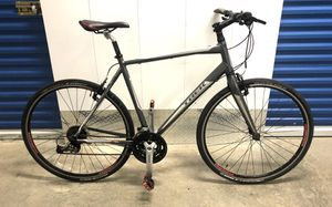 2013 TREK 7.4 FX 27-SPEED HYBRID BIKE. LIKE NEW! for Sale in Miami, FL