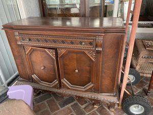 Antique buffet cabinet for Sale in La Puente, CA