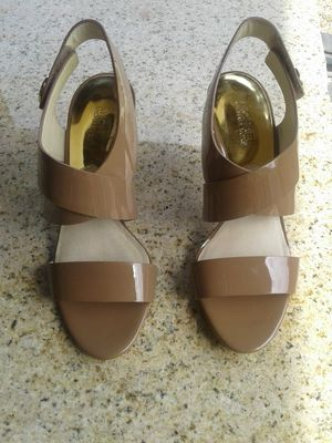 NEW MICHAEL KORS SHOES SIZE9 PD88.00 WITH TAXES SELL 45.00FIRM TAGS STILL ON BOTTOM OF SHOES FROM MACYS CASH ONLY NO HOLD APP LOCATED RANCHO &MILL for Sale in Colton, CA