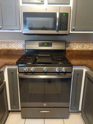 GE Microwave and Range Set $800 for Sale in San Francisco, CA