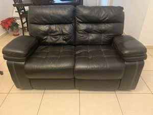 Leather recliner sofa for Sale in Miami, FL