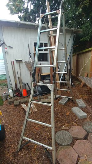 Articulating 8' Aluminum Ladder for Sale in Lynnwood, WA