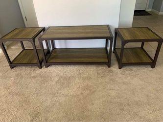 Living Room Center & Side Tabke for Sale in Lemoore, CA