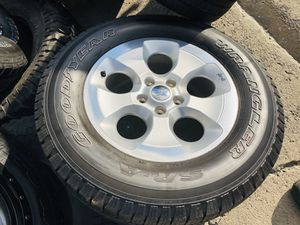 "2015 Jeep Wrangler 18"" wheel & tire for Sale in Gilroy, CA"