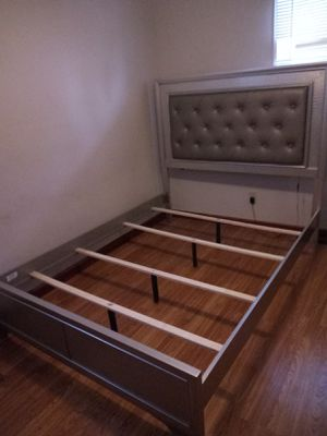 Queen platform bed frame and dresser with mirror for Sale in Chicago, IL