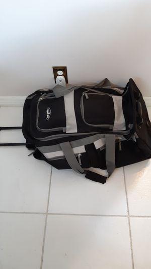 "28"" x 13.5"" x 13"" rolling duffle bag for Sale in Sunrise, FL"