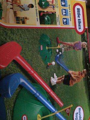 Little tikes kids golf set Ages 1 1/2+ for Sale in Nashville, TN