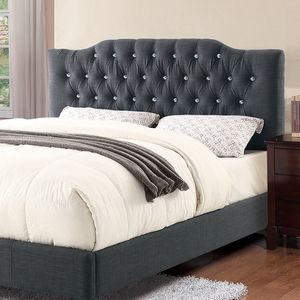 Grey queen upholstered bed 🎈🎈🎈🚚 for Sale in Fresno, CA