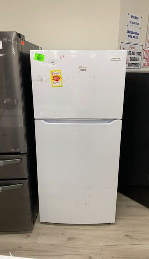 FRIGIDAIRE FFTR1835VW TOP FREEZER REFRIGERATOR 2EGDW for Sale in Ontario, CA