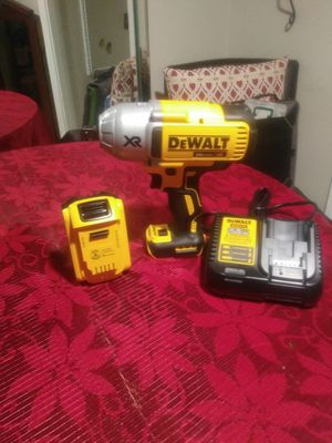 Impact wrench 20 volts cordless kit for Sale in Tampa, FL