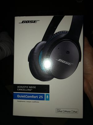 Bose acoustic noise canceling headphones quietcomfort 25 for Sale in Alexandria, VA