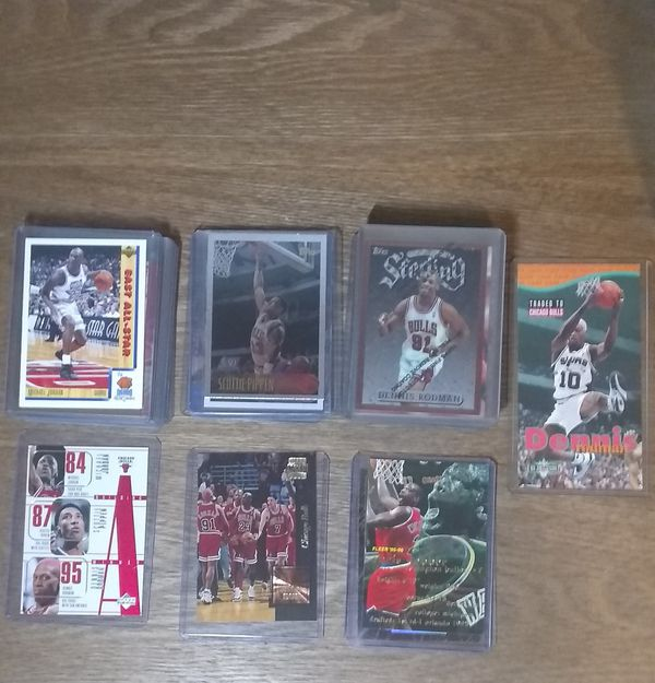 Chicago Bulls Lot of 30 NBA Trading Cards.