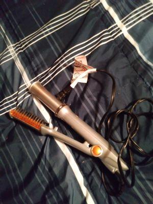 In Styler hair straightener for Sale in Atlanta, GA