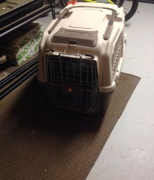 Medium Kong Dog travel kennel for Sale in Oakland charter Township, MI