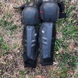 Fox MTB shin/knee Guard for Sale in Sacramento,  CA