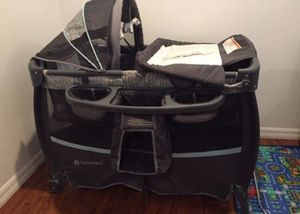 Bassinet/ playpen/ changing table for Sale in Norwalk, CA