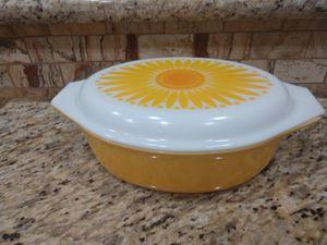 Pyrex casserole dish 2 1/2 quart for Sale in Mesa, AZ