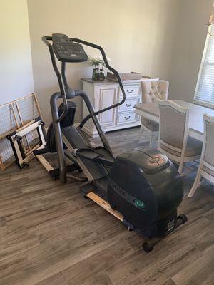 Precor EFX 546 Elliptical Cross Trainer for Sale in Lutz, FL