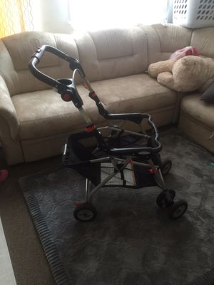 Graco snap and go frame for car seat base for Sale in Alexandria, VA