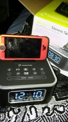 Bluetooth /radio/alarm clock speaker! for Sale in Los Angeles, CA
