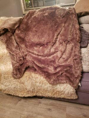 New brown throw blanket for Sale in Downey, CA