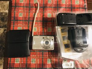 Sony CyberShot 6.0 mega shot camera for Sale in Chicago, IL