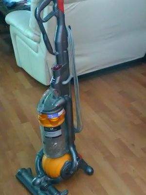 Dyson vacuum machine $70 for Sale in Mission Viejo, CA
