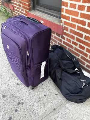 Medium Suitcase and large duffle bag for Sale in New York, NY