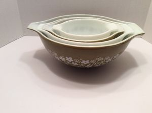 Pyrex Crazy Daisy Cinderella Mixing Bowl Set for Sale in St. Petersburg, FL