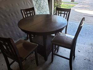 Kitchen Dining Table / (also) bed&box / dresser&mirror - $150 for Sale in Fresno, TX