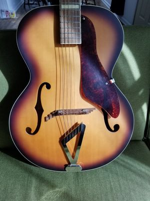 Gretsch Synchromatic Archtop 125th Anniversary Edition Sunburst Acoustic-$550 for Sale in Hoffman Estates, IL