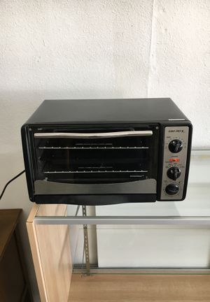 Euro Pro Microwave Oven Counter Top Cooker Toaster RF for Sale in Lakewood, WA