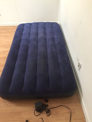 Air mattress and pump for Sale in Columbus, OH