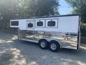 2004 Sundowner Sunlite horse trailer for Sale in La Habra, CA