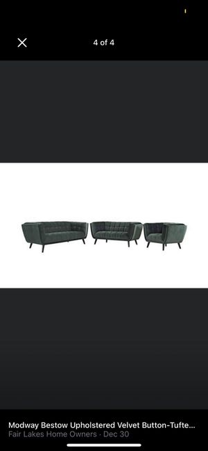 Modway bestow upholstered velvet button tufted sofa in green for Sale in Fairfax, VA