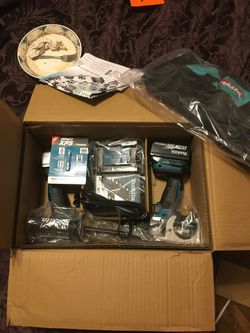 Makita lithium ion LXT2 piece combo kit hammer drill and impact driver for Sale in St. Louis,  MO