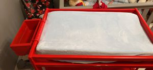 Changing table and infant boppy for Sale in Clermont, FL