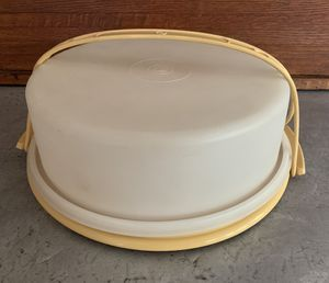 Vintage Round Tupperware Pie Keeper Cake Taker Carrier with Handle Harvest Gold Storage Container for Sale in Siler City, NC