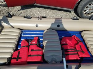 5 man Inflatable boat for Sale in Hazel Crest, IL