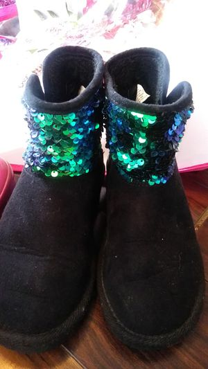 Girls old navy boots size 1 for Sale in Thomasville, NC