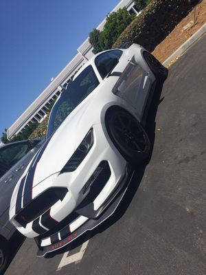 Ford Mustang GT350R 2018 (8500 miles) LIKE NEW for Sale in Los Angeles, CA