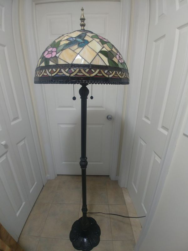 BEAUTIFUL DALE TIFFANY STYLE FLOOR LAMP