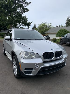 2012 BMW X5 90k miles straight 6 twin turbos, 3rd row seats, very clean, backup camera, dvd , heated seats,navigation ,19inch wheels, clear bra, very for Sale in Vancouver, WA