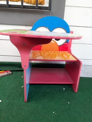 Elmo kids desk for Sale in Los Angeles, CA