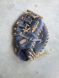 Easton Firstbase glove for Sale in West Covina,  CA